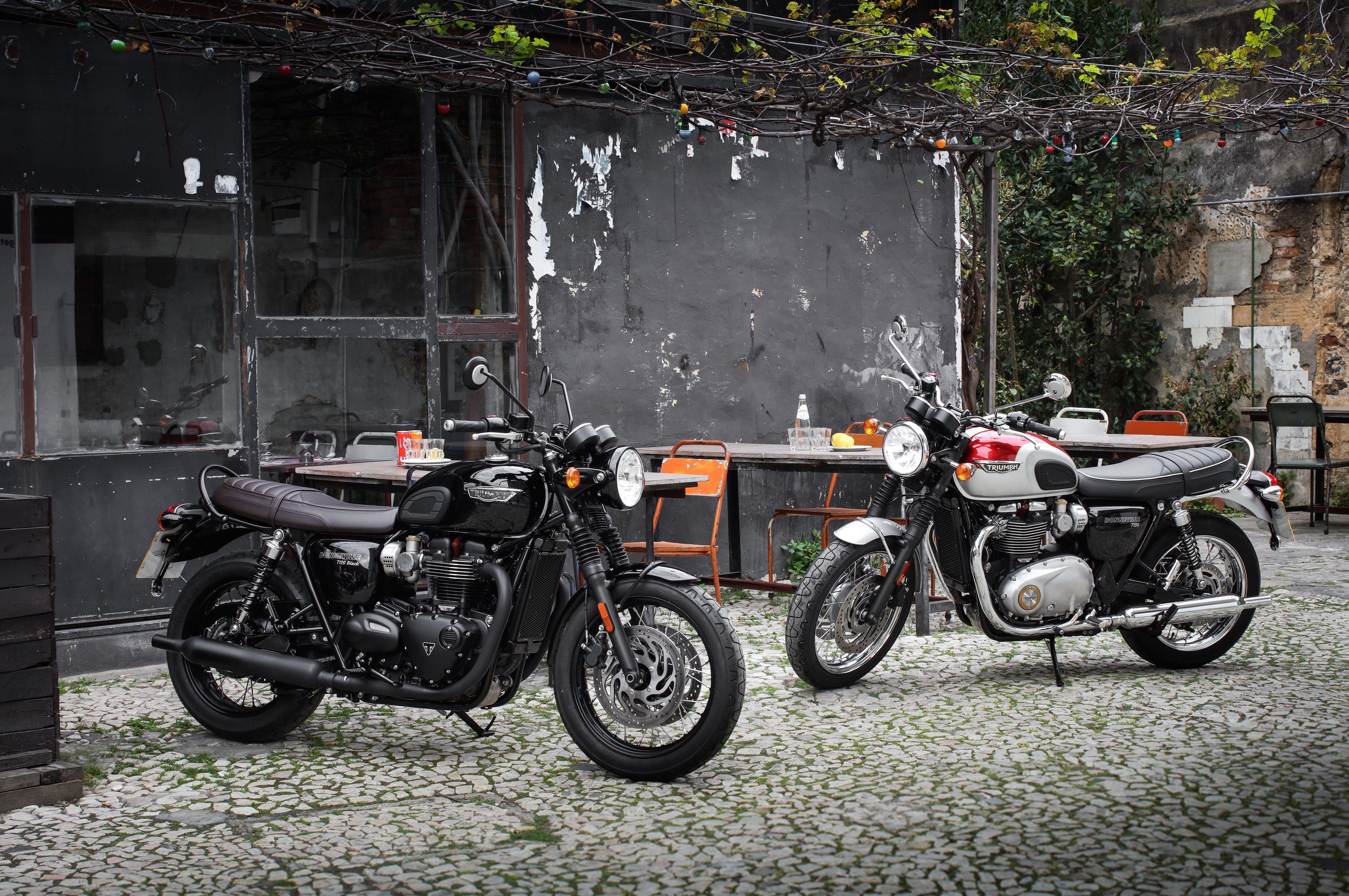 Bonneville T120 -T120 Black